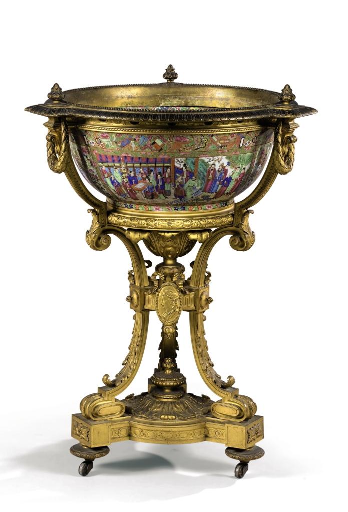 Jardinière en porcelaine de Canton et monture de bronze doré d'époque Napoléon III