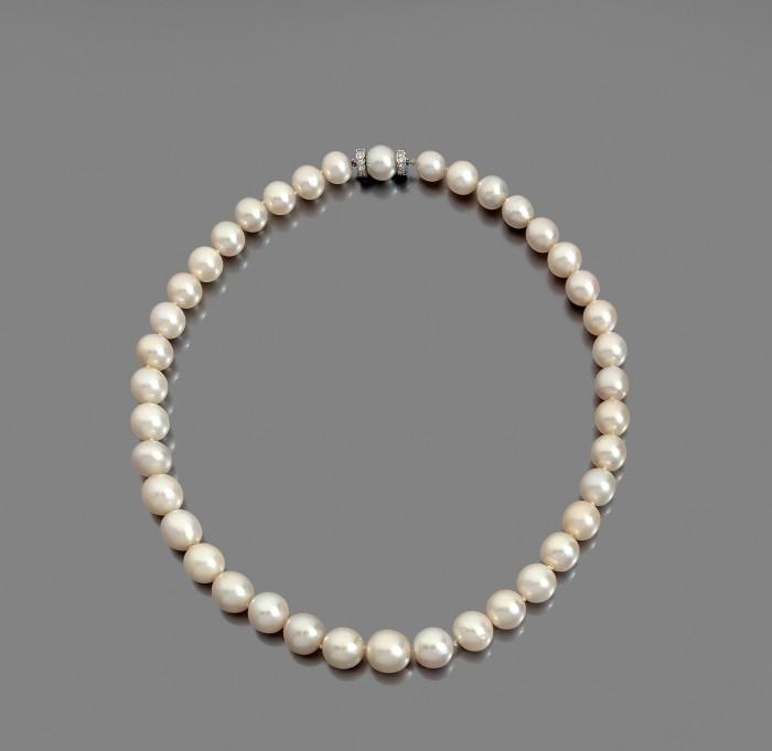 Combien vaut ce collier de perles  ?